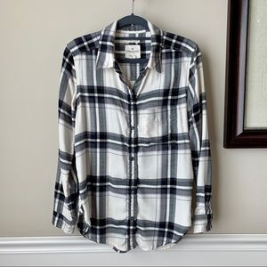 AEO Black & White Flannel Shirt